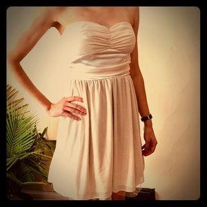 Dresses & Skirts - Gold sparkle strapless dress